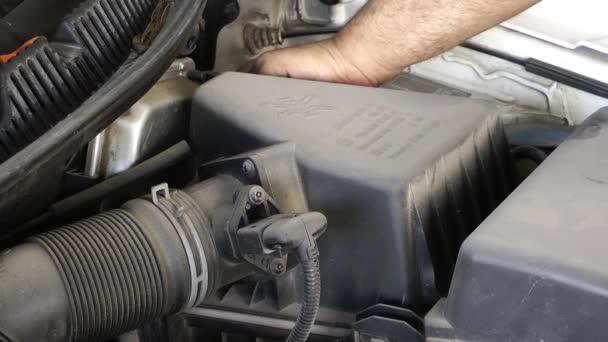 1920 × 1080 25 Fps. velmi pěkné auto motor vzduch filtru Change Video.