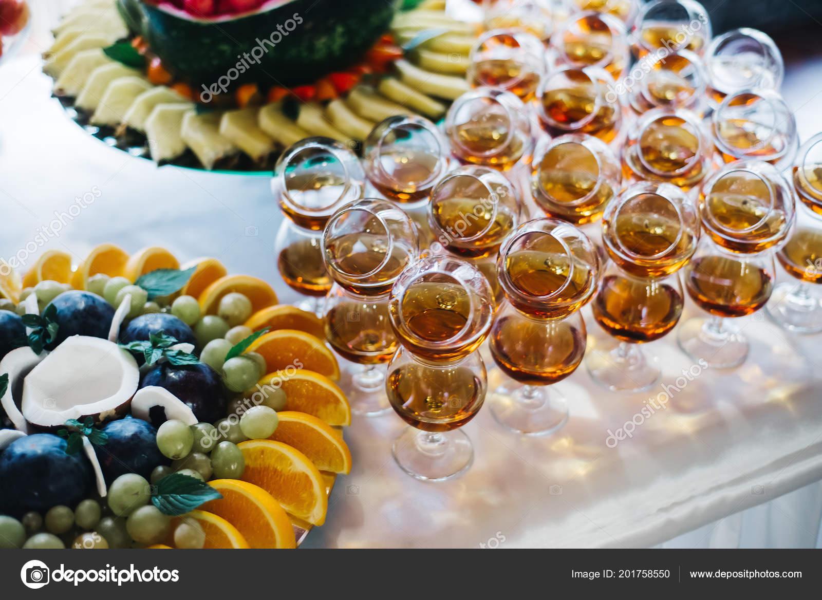 Plyny Koňak Nebo Brandy Poskytování Cateringových — Stock Fotografie ... d76c6716316