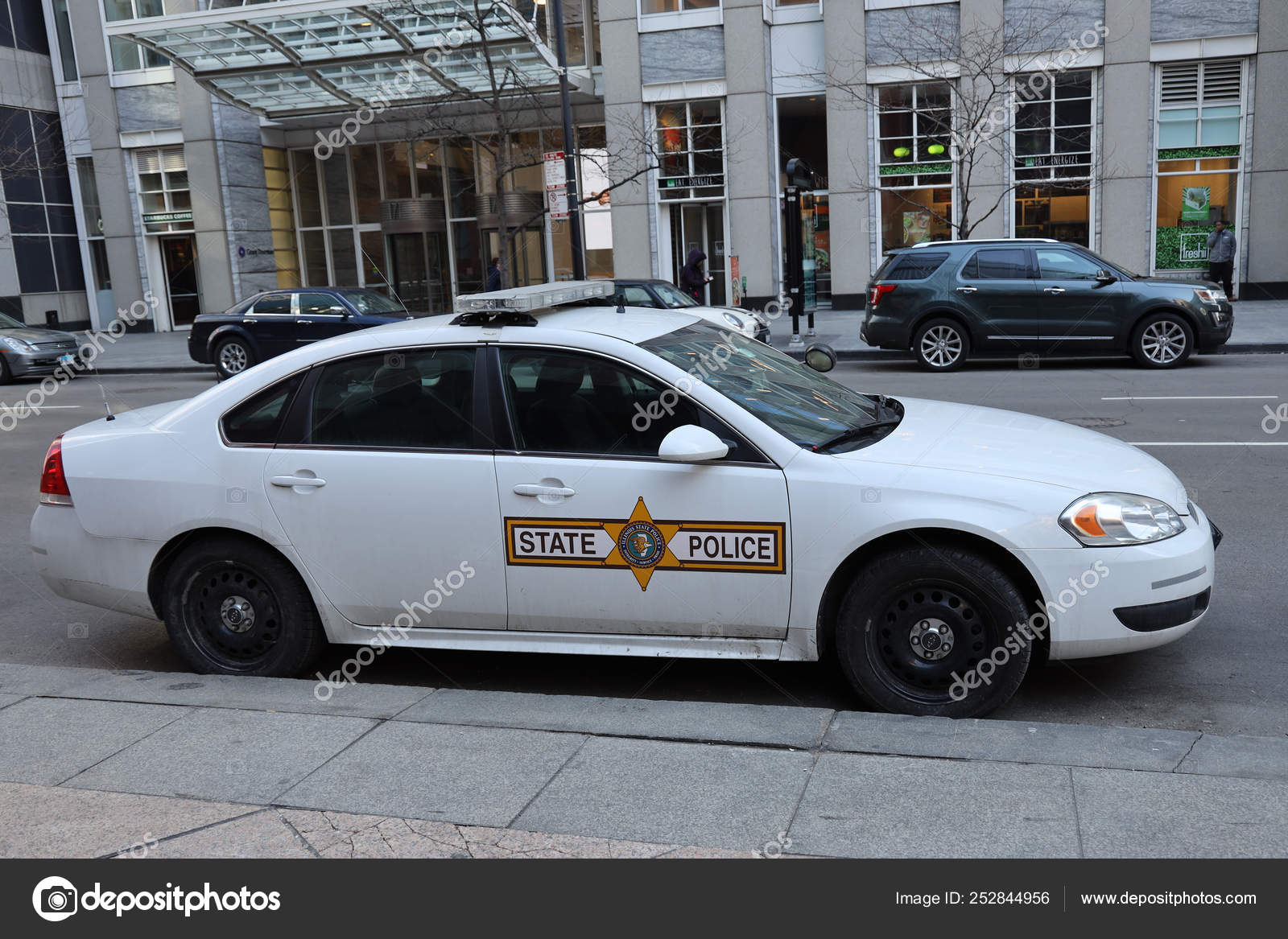 Chicago Illinois March 2019 Illinois State Police Car Downtown Chicago Stock Editorial Photo C Zhukovsky 252844956