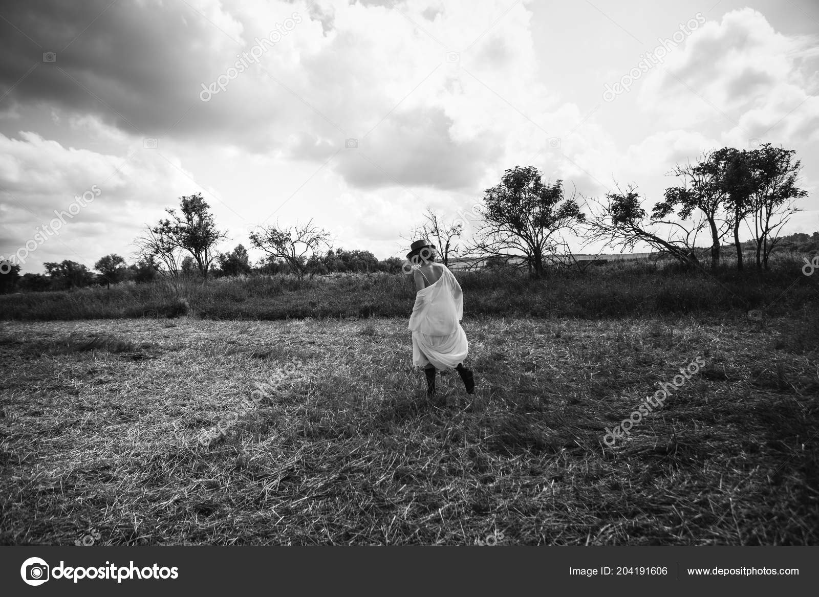 Girl Village Walks Forged Field White Dress Hat Goes Goats