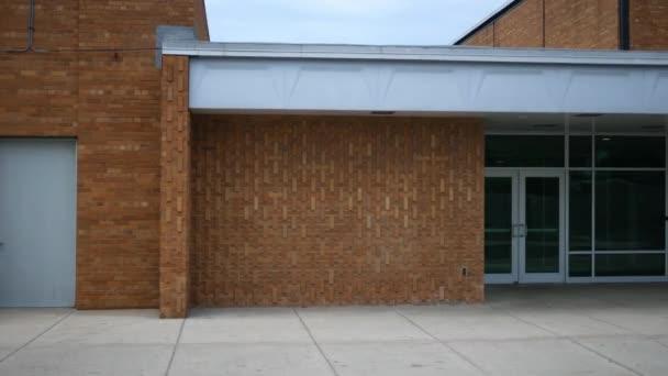 Délka dne založení snímek školní budovy