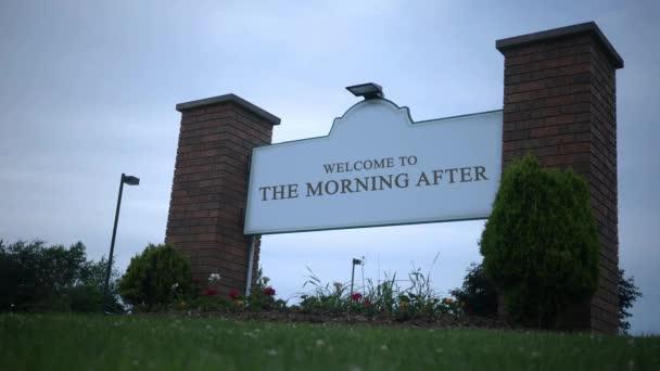deprimierende ominöse Schilderserie - Willkommen am Morgen danach