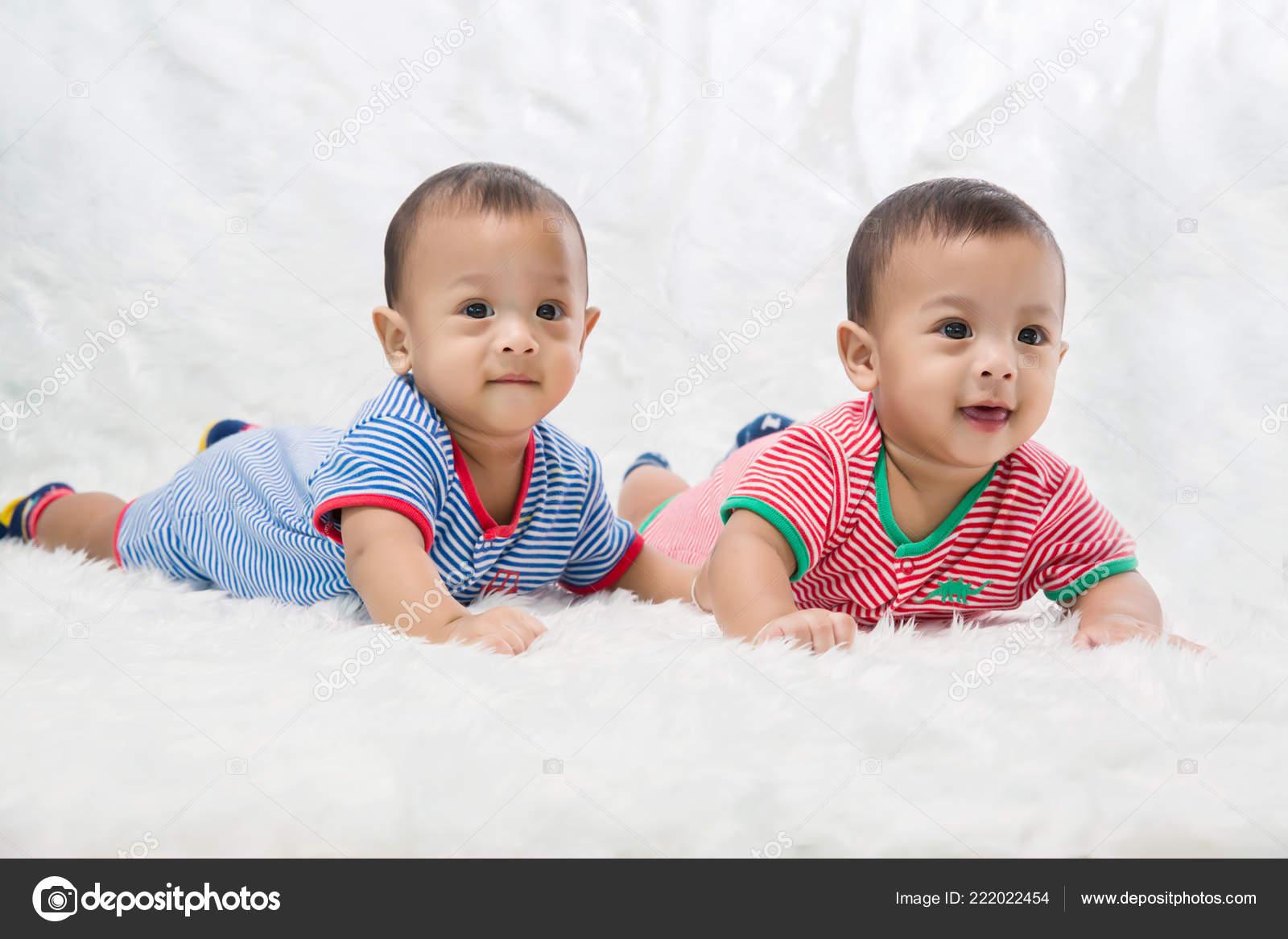 Infant Twins Sleeping Newborn Babies Twins Sleep Bed Lovely Sleep Stock Photo C Kckate16 Gmail Com 222022454