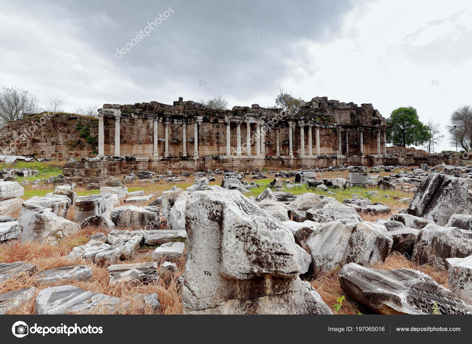 Greek city dating