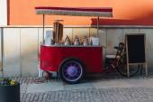 Fotografia punto di vendita di strada gelato su ruote a wroclaw, Polonia
