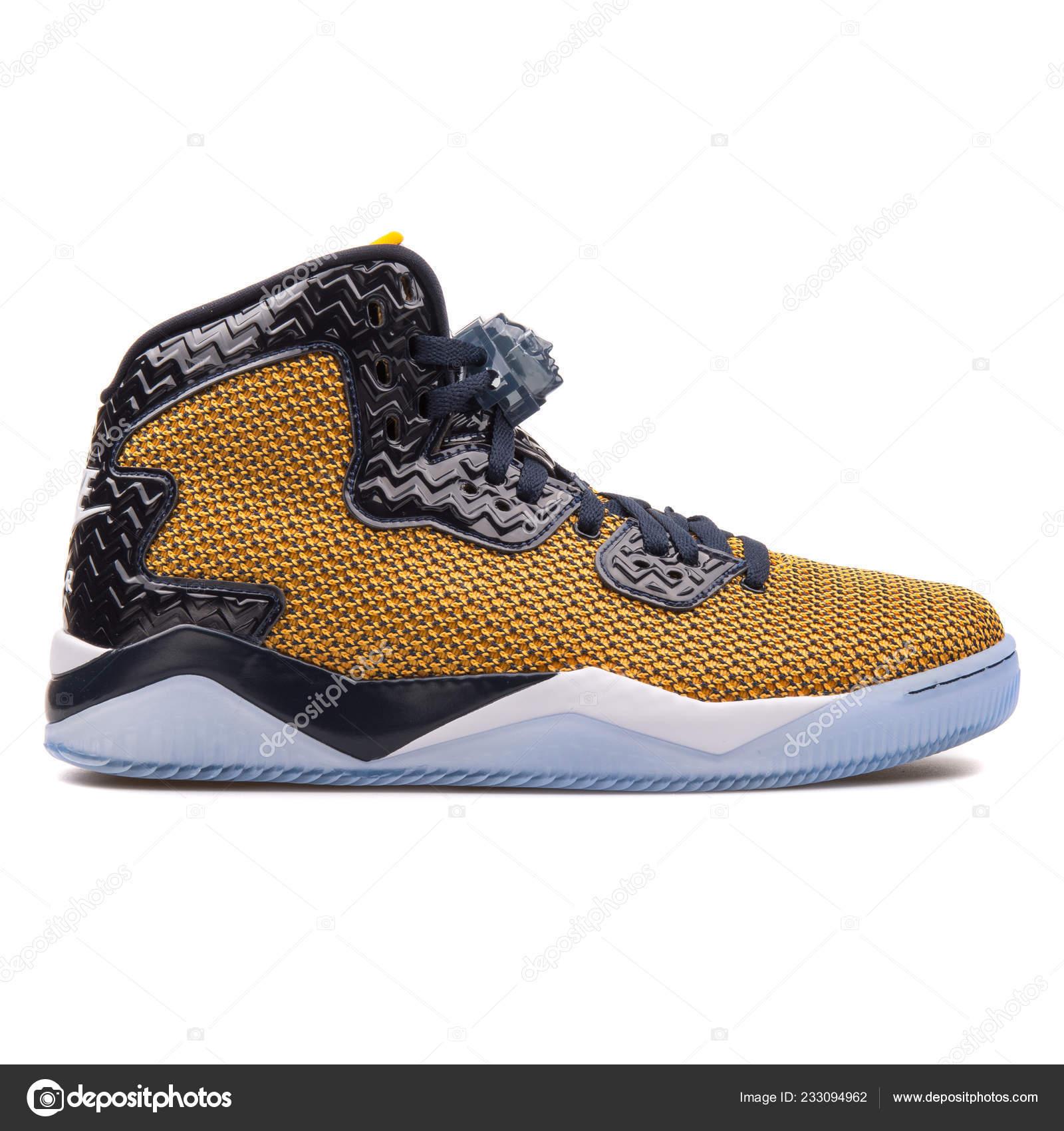 Vienna Austria June 2017 Nike Air Jordan Spike Forty Gold — Stock Photo d7964cdf4db1