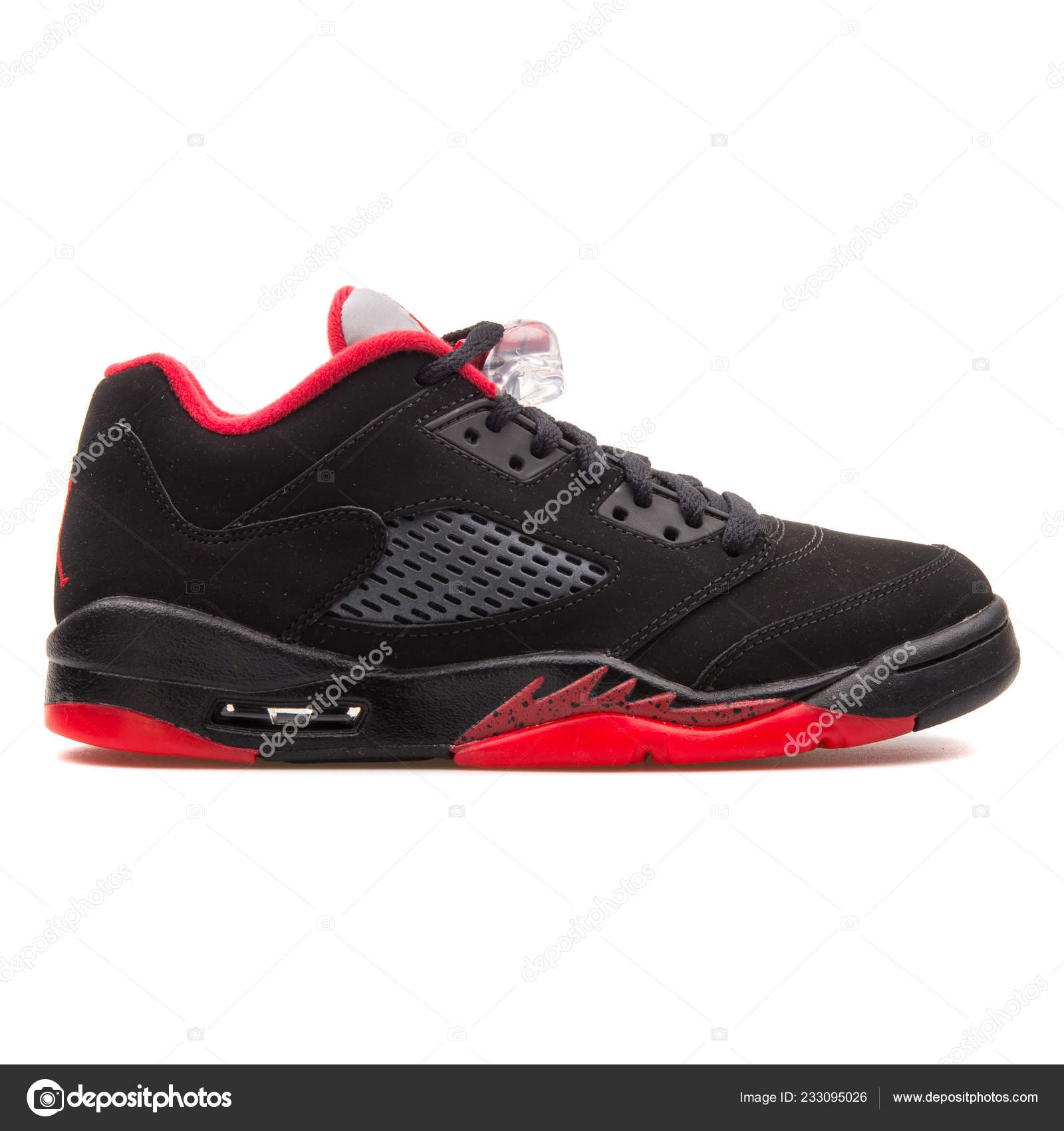 363708d7 VIENNA, AUSTRIA - JUNE 14, 2017: Nike Air Jordan 5 Retro Low black and red  sneaker isolated on white background — Photo by xMarshallfilms