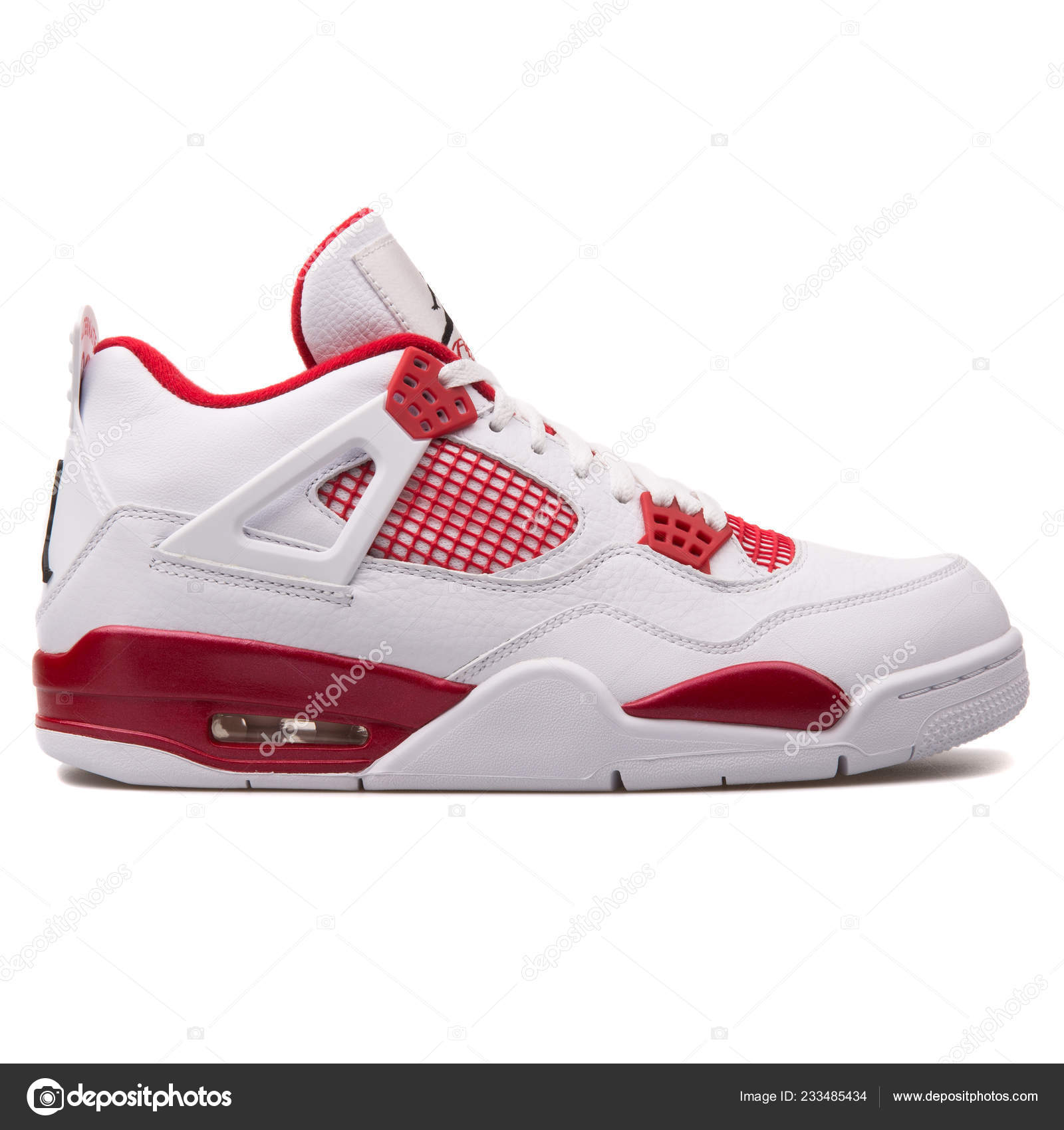 Nacarado moral Radar  Vienna Austria June 2017 Nike Air Jordan Retro White Red – Stock Editorial  Photo © xMarshallfilms #233485434
