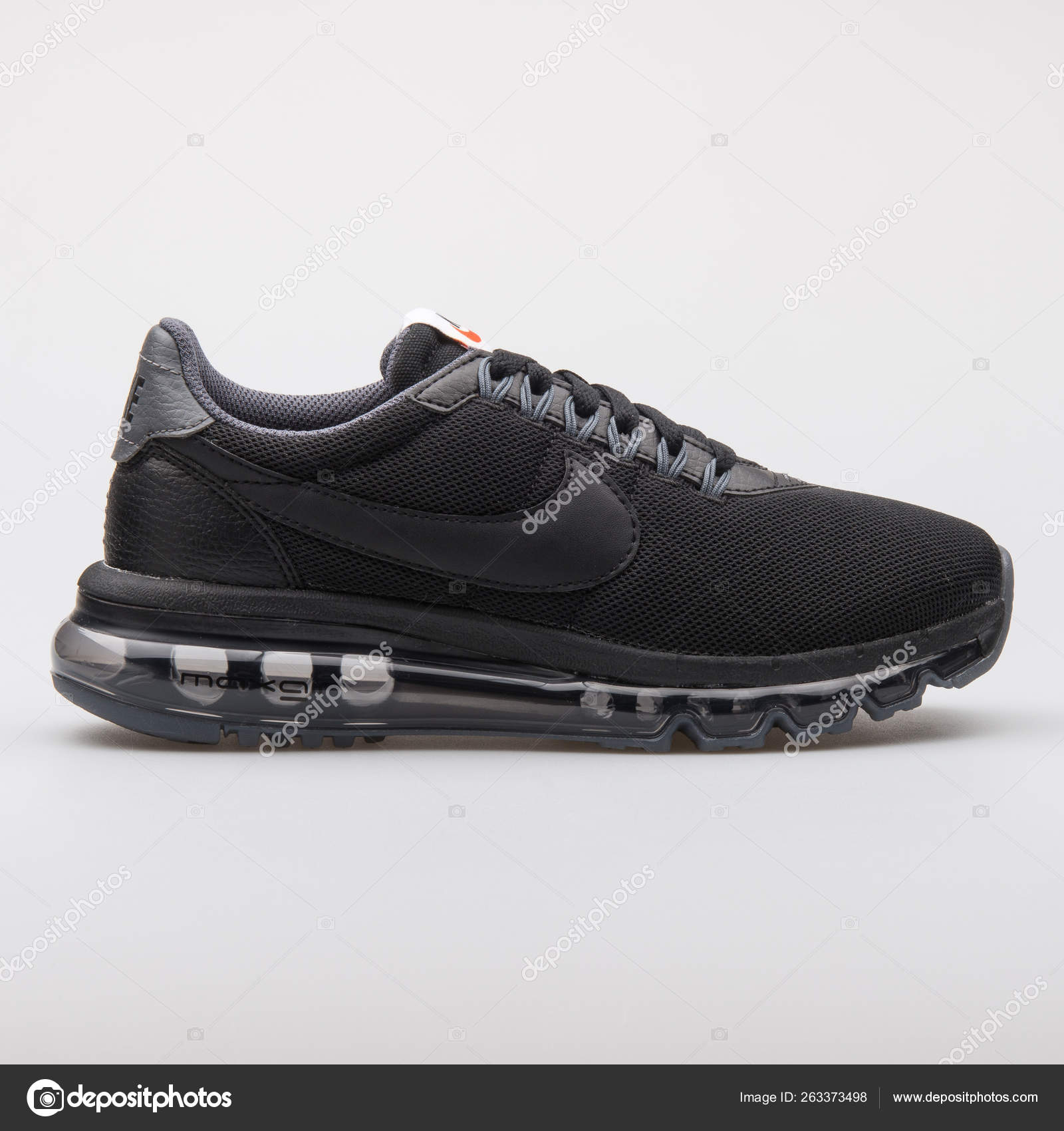 matar Aplicable Positivo  Nike Air Max LD Zero black sneaker – Stock Editorial Photo © xMarshallfilms  #263373498