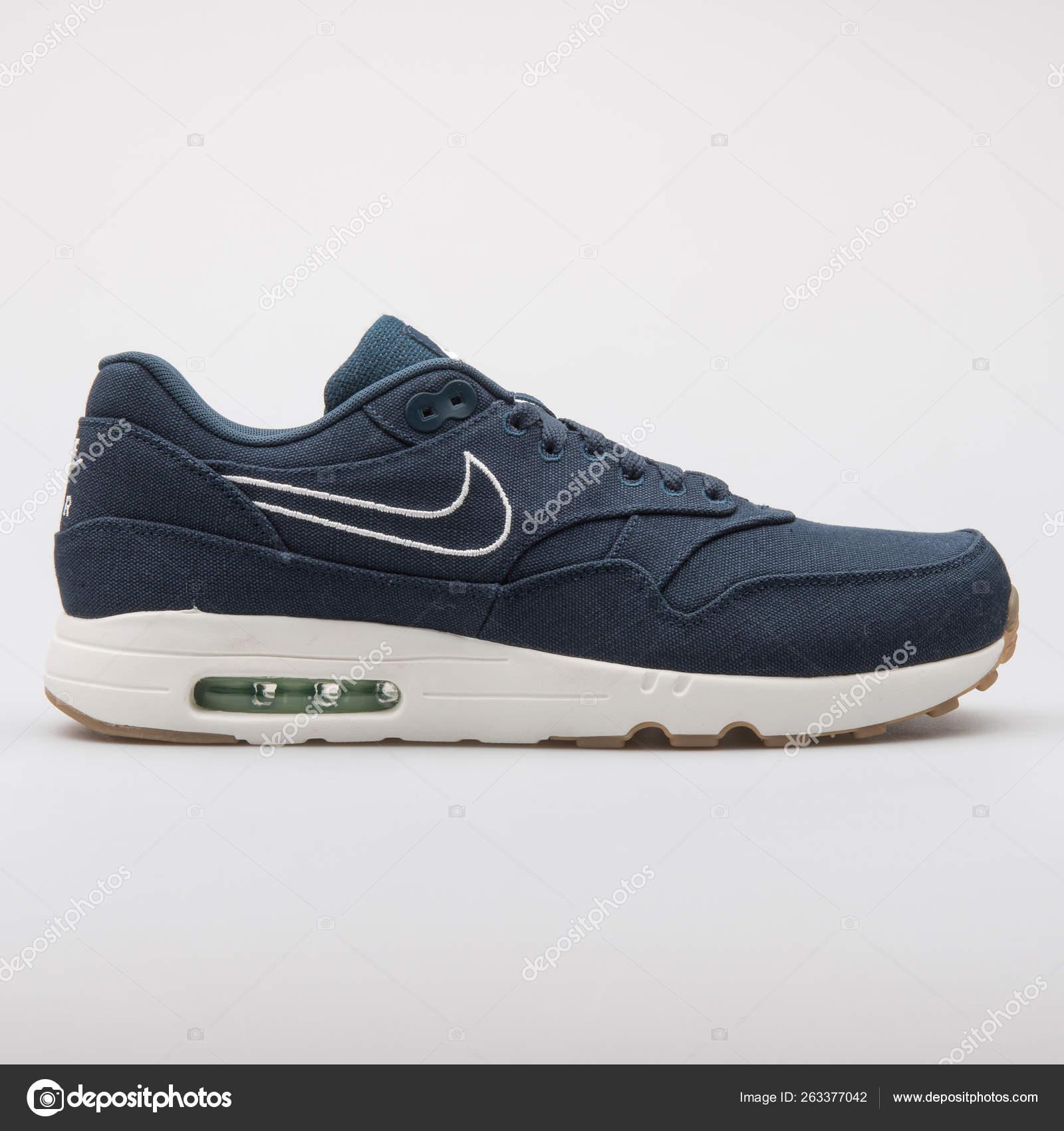 3e500b92 Nike Air Max 1 Ultra 2.0 TXT navy blue sneaker – Stock Editorial ...