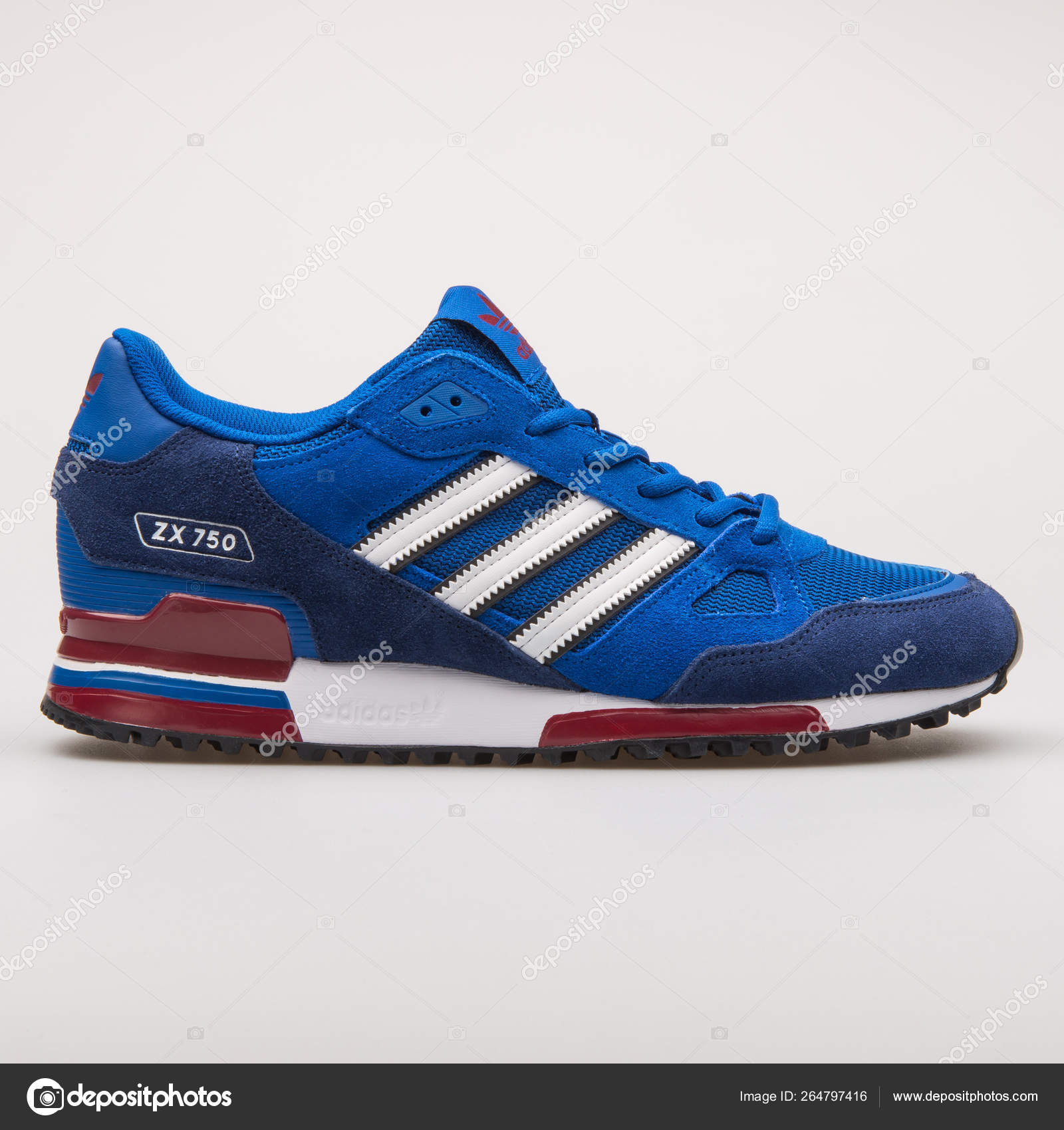 chaussures de sport c1f54 517bb Adidas ZX750 blue sneaker – Stock Editorial Photo ...