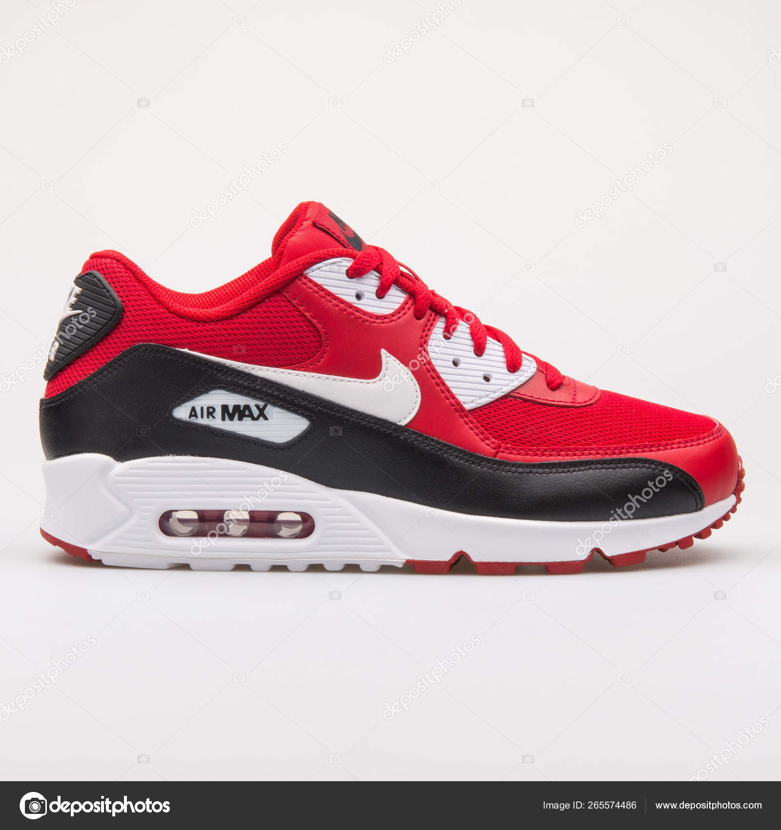e04cafdf Nike Air Max 90 Essential red, black and white sneaker — Stock Photo