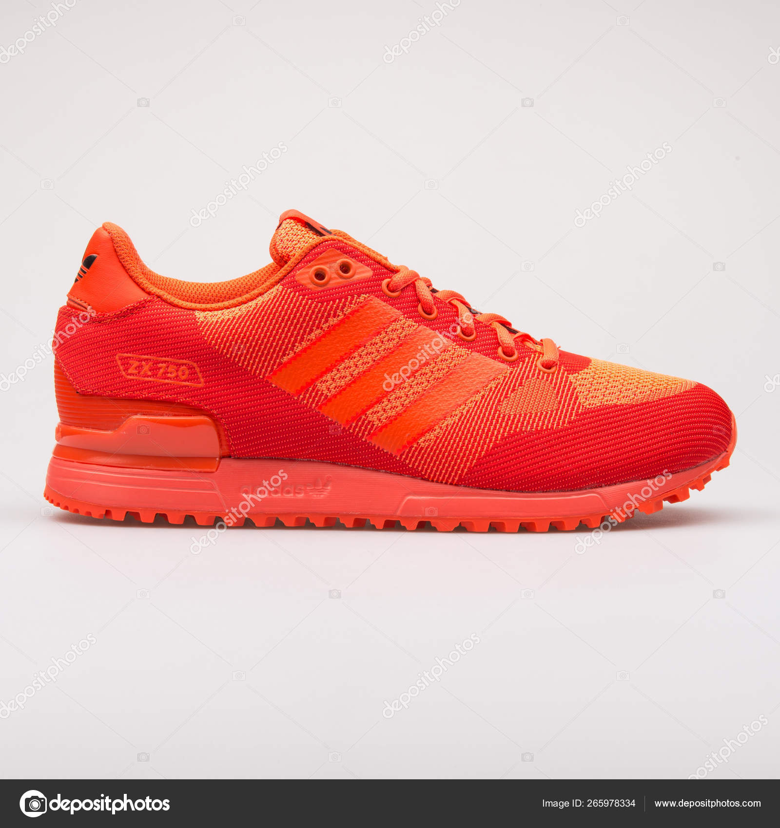 new product c3297 c5e15 Adidas ZX 750 WV solar red sneaker – Stock Editorial Photo ...