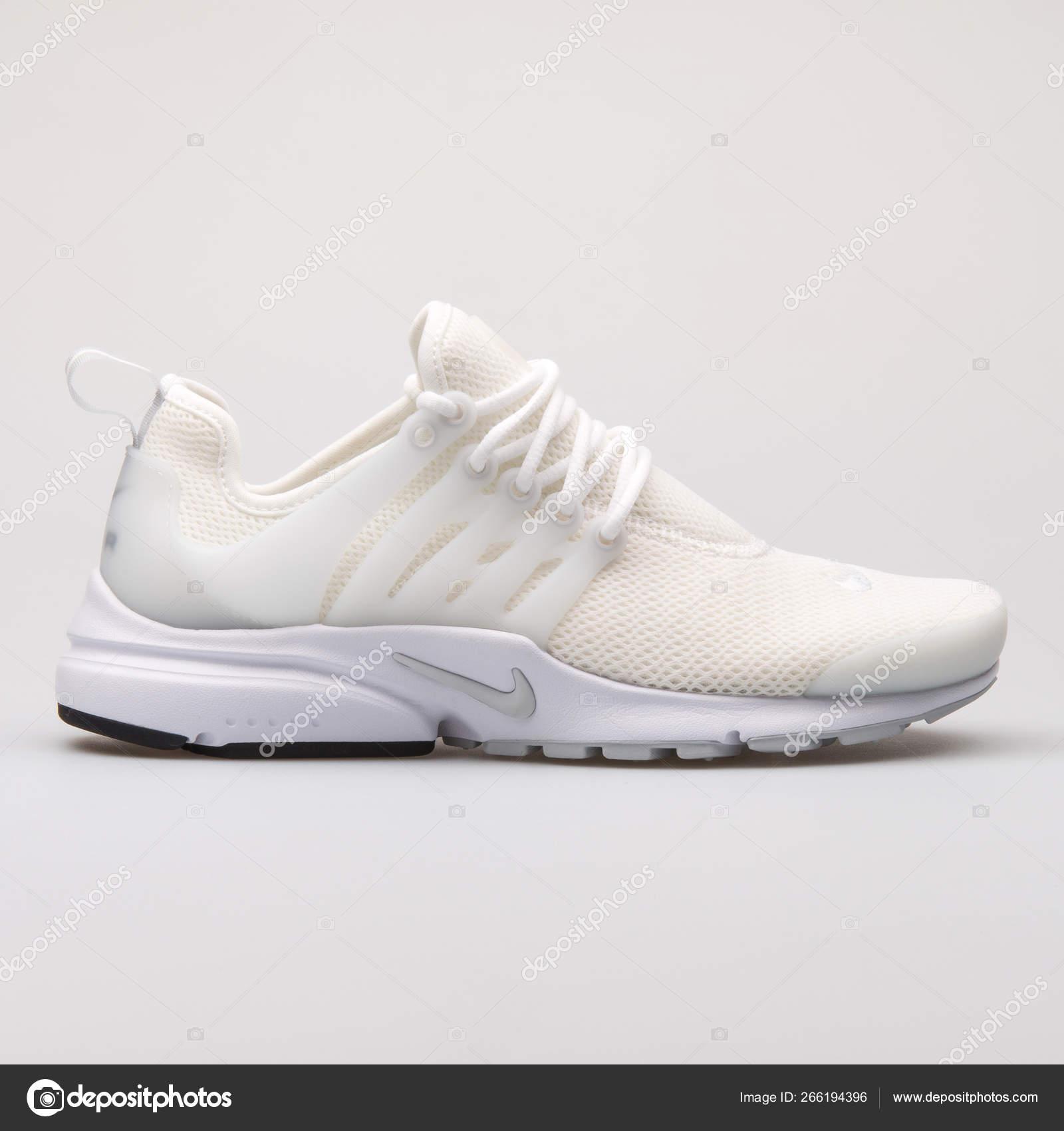 Nike Air Presto white sneaker – Stock