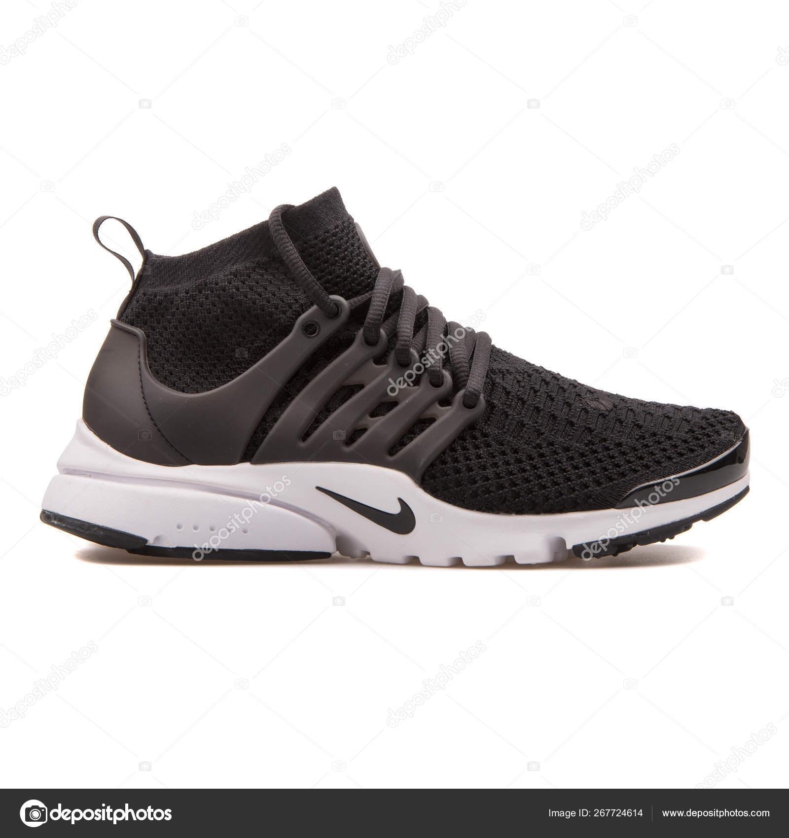 Nike Air Presto Flyknit Ultra black and white sneaker 267724614