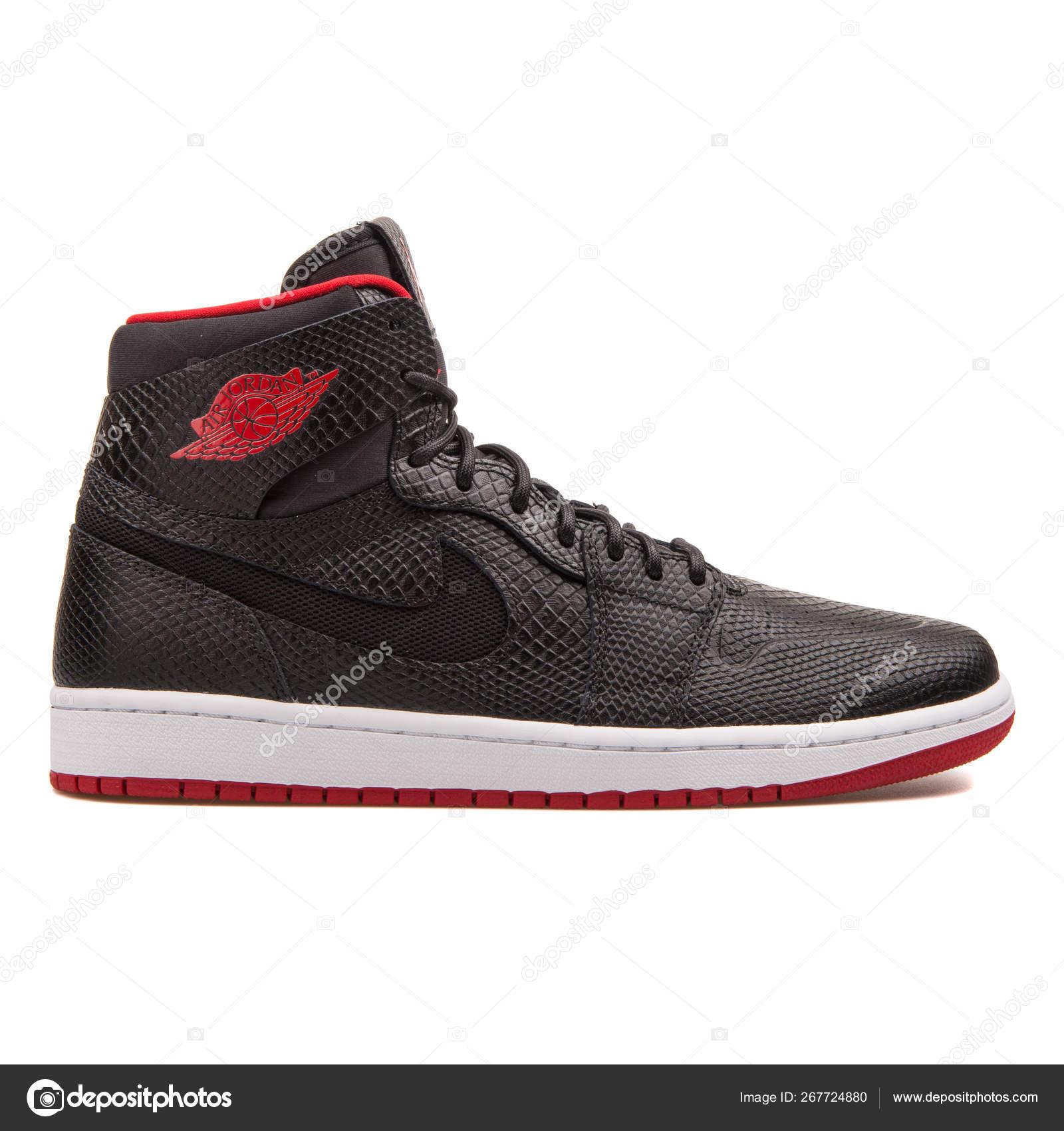 f490ce1e Nike Air Jordan 1 Retro High Nouv black and red sneaker — Stock Photo