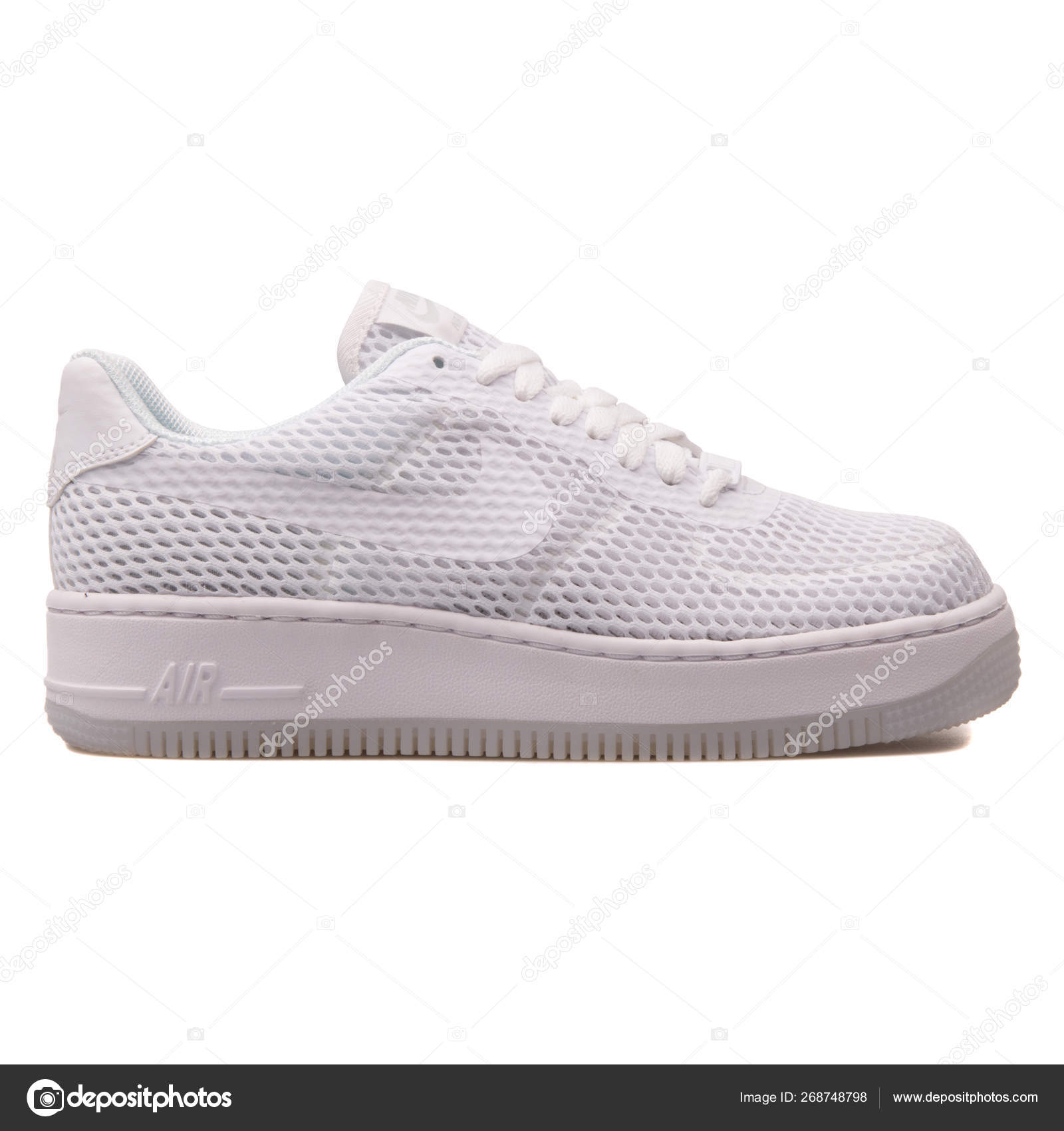 mineral Gastos calificación  Nike Air Force 1 Low Upstep BR white sneaker – Stock Editorial Photo ©  xMarshallfilms #268748798