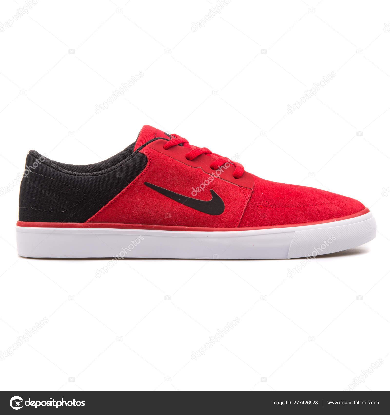 zapatillas nike negras y rojas