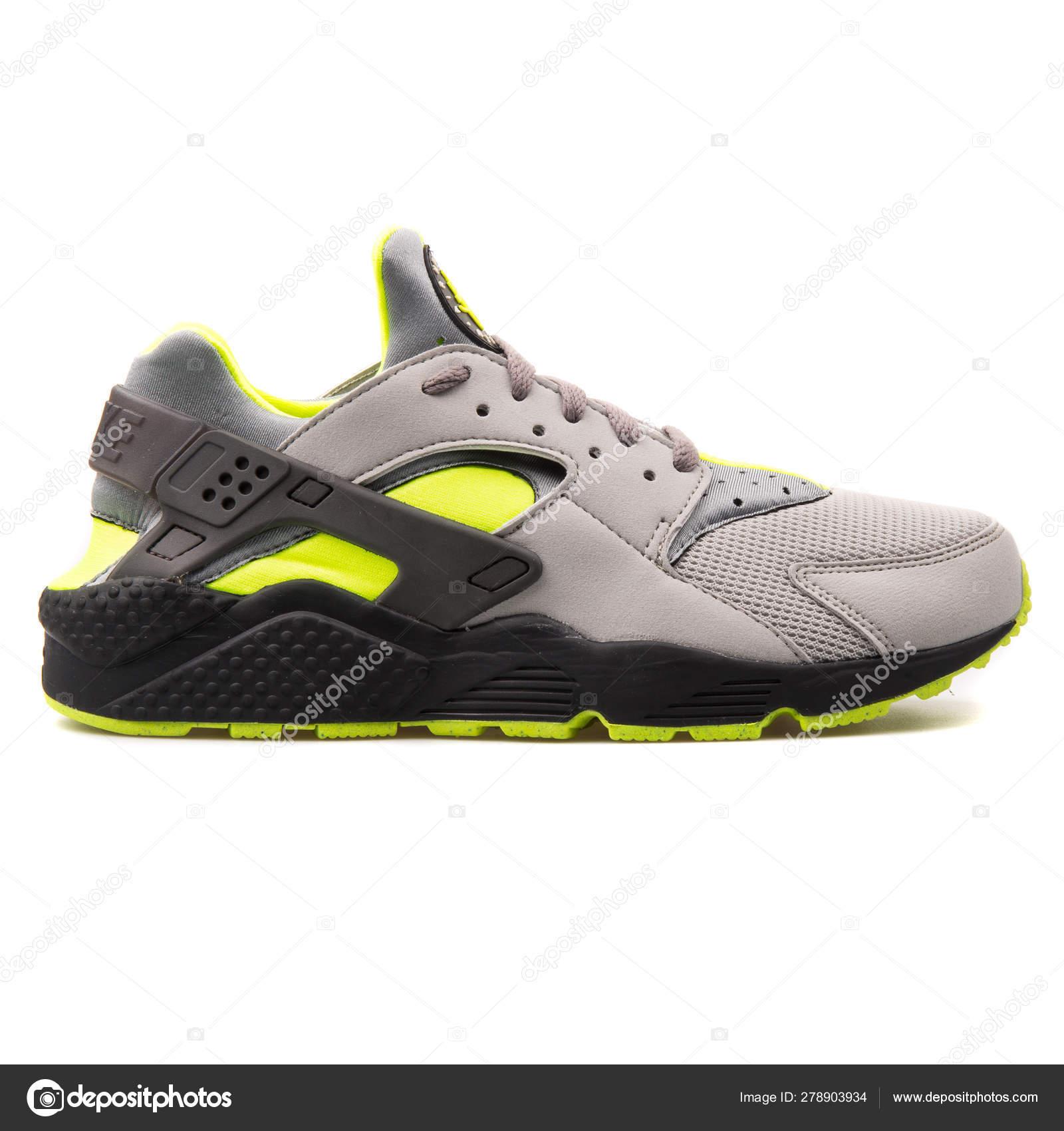 nike amarillas zapatillas