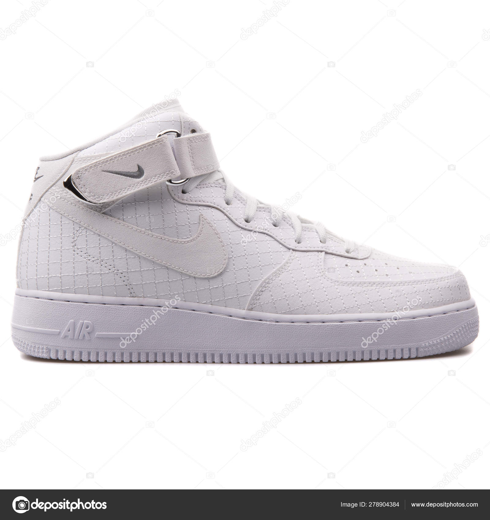 c8d12122 Nike Air Force 1 Mid 07 LV8 white sneaker – Stock Editorial Photo ...