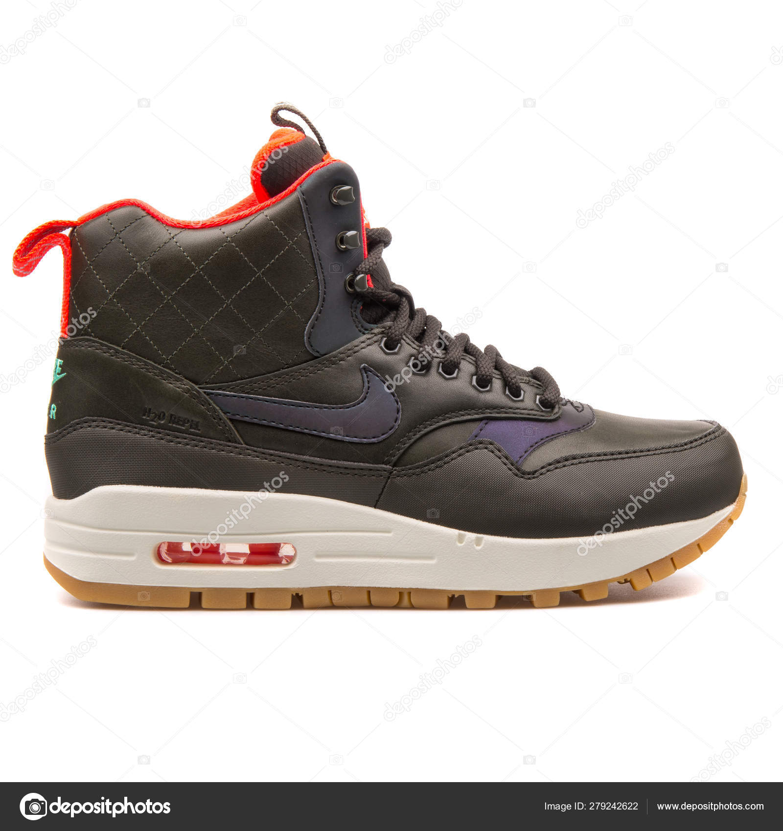 Persona australiana envidia equilibrio  Nike Air Max 1 Mid Sneakerboot Reflect black and red sneaker – Stock  Editorial Photo © xMarshallfilms #279242622