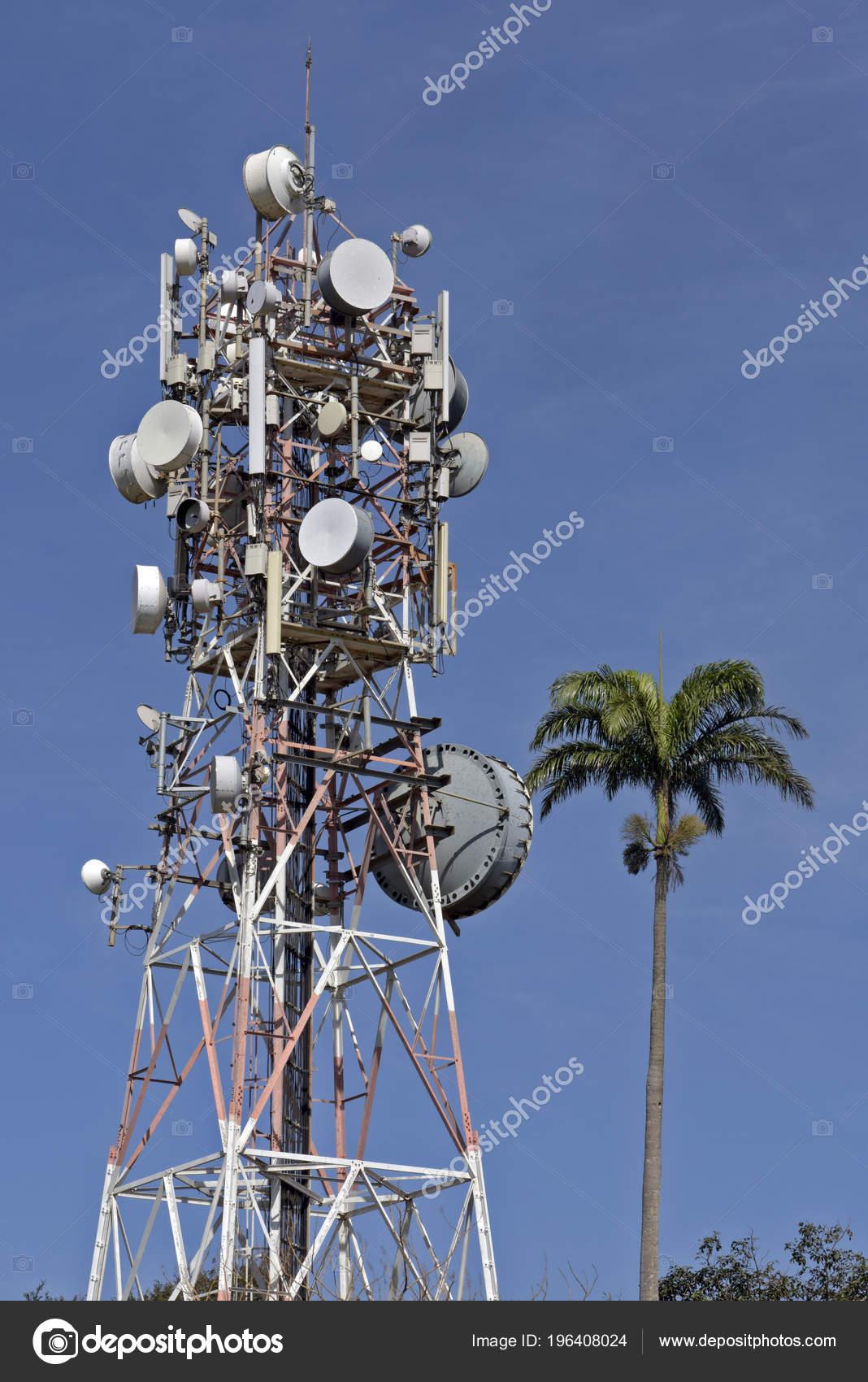 Radio Tower Broadcast Antennas — Stock Photo © Jaboticabafotos
