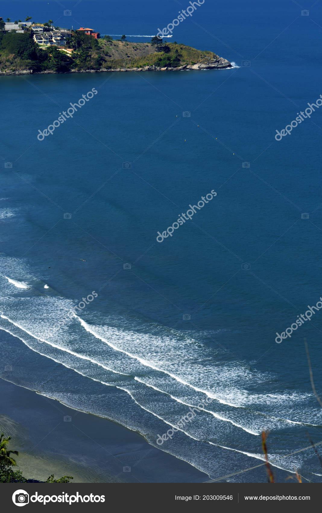 Waves Crashing Beach Blue Sea North Coast Sao Paulo Sao — Stock