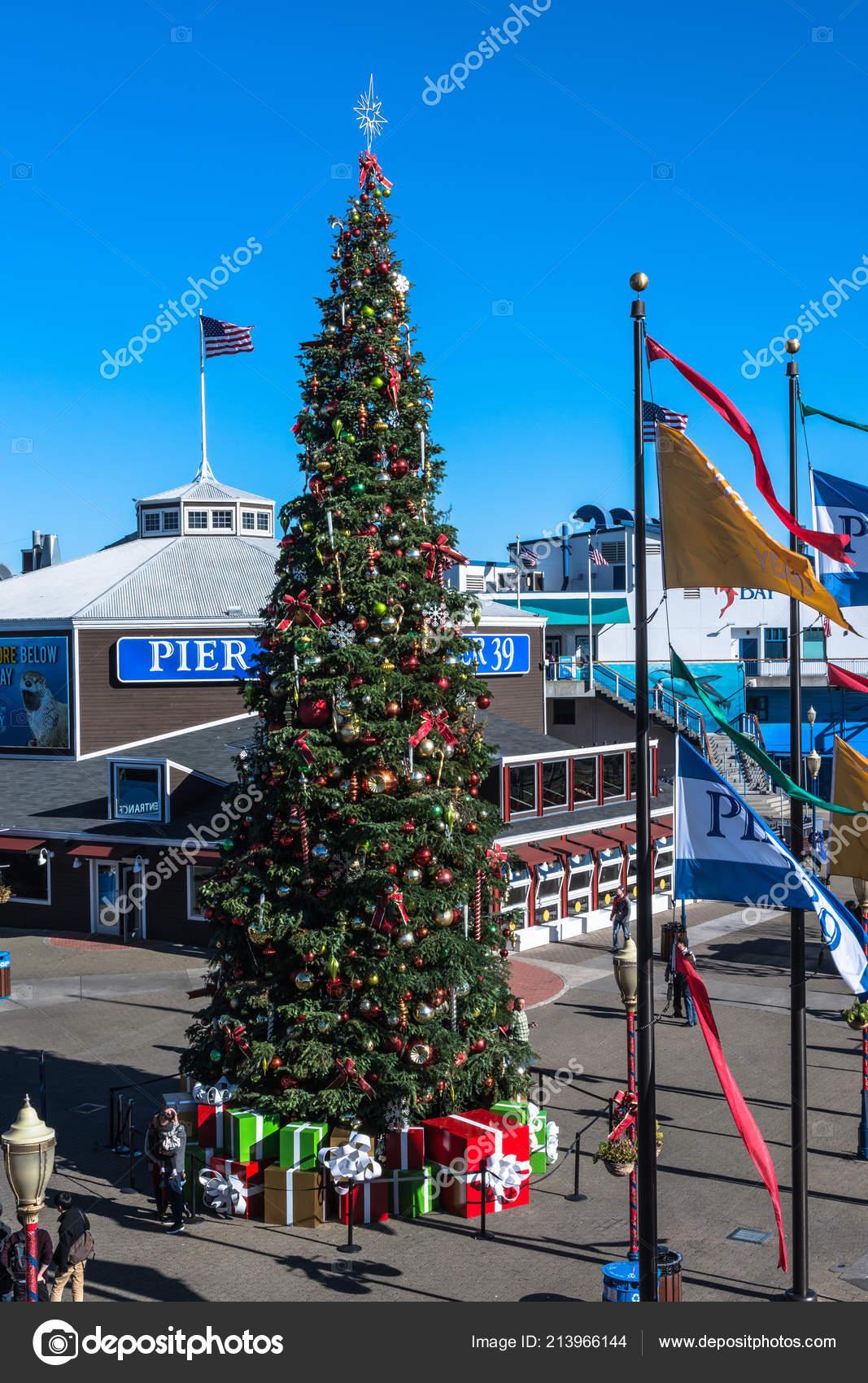 Christmas In San Francisco.San Francisco California Usa December 2017 Christmas Tree