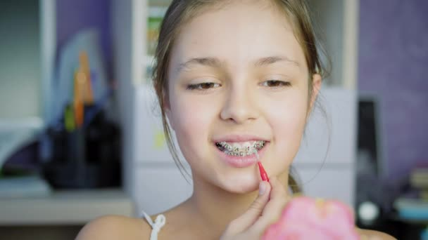 Mundhygiene für Zahnspangen.