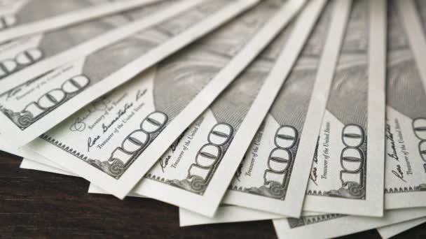 Zvětšení stodolarových bankovek