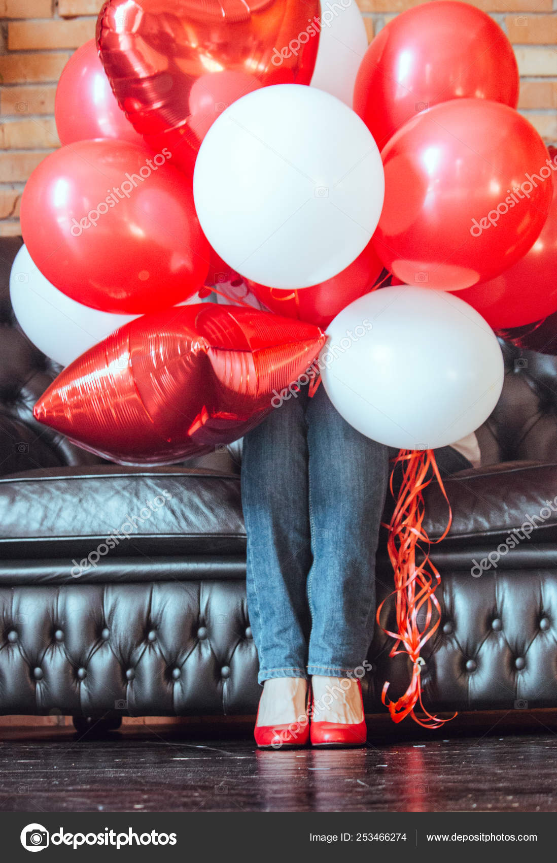 73b6ff33fe84e Unknown Girl Hidden Red White Helium Balloons Black Sofa Colorful ...