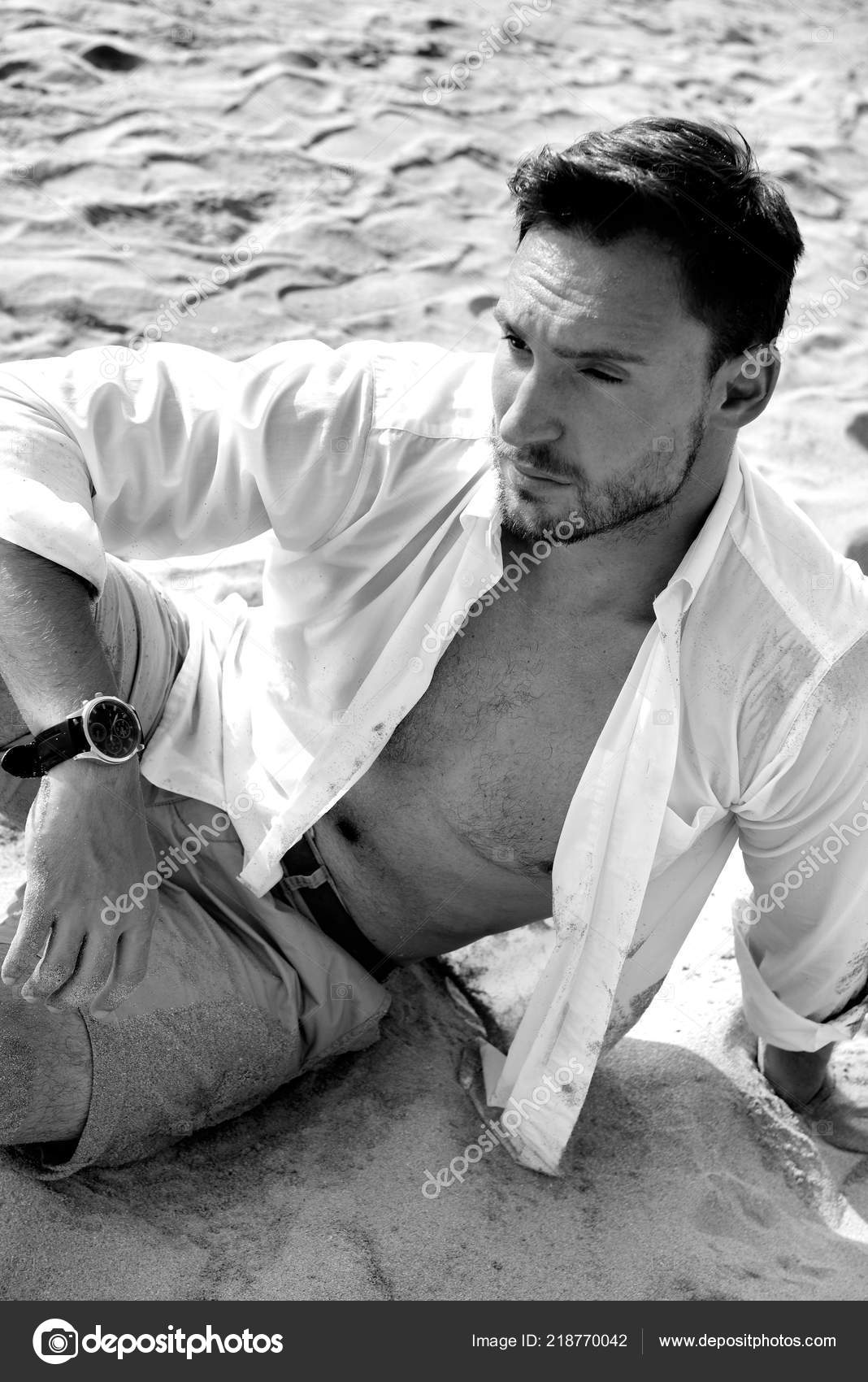 Nagie modele na plaży