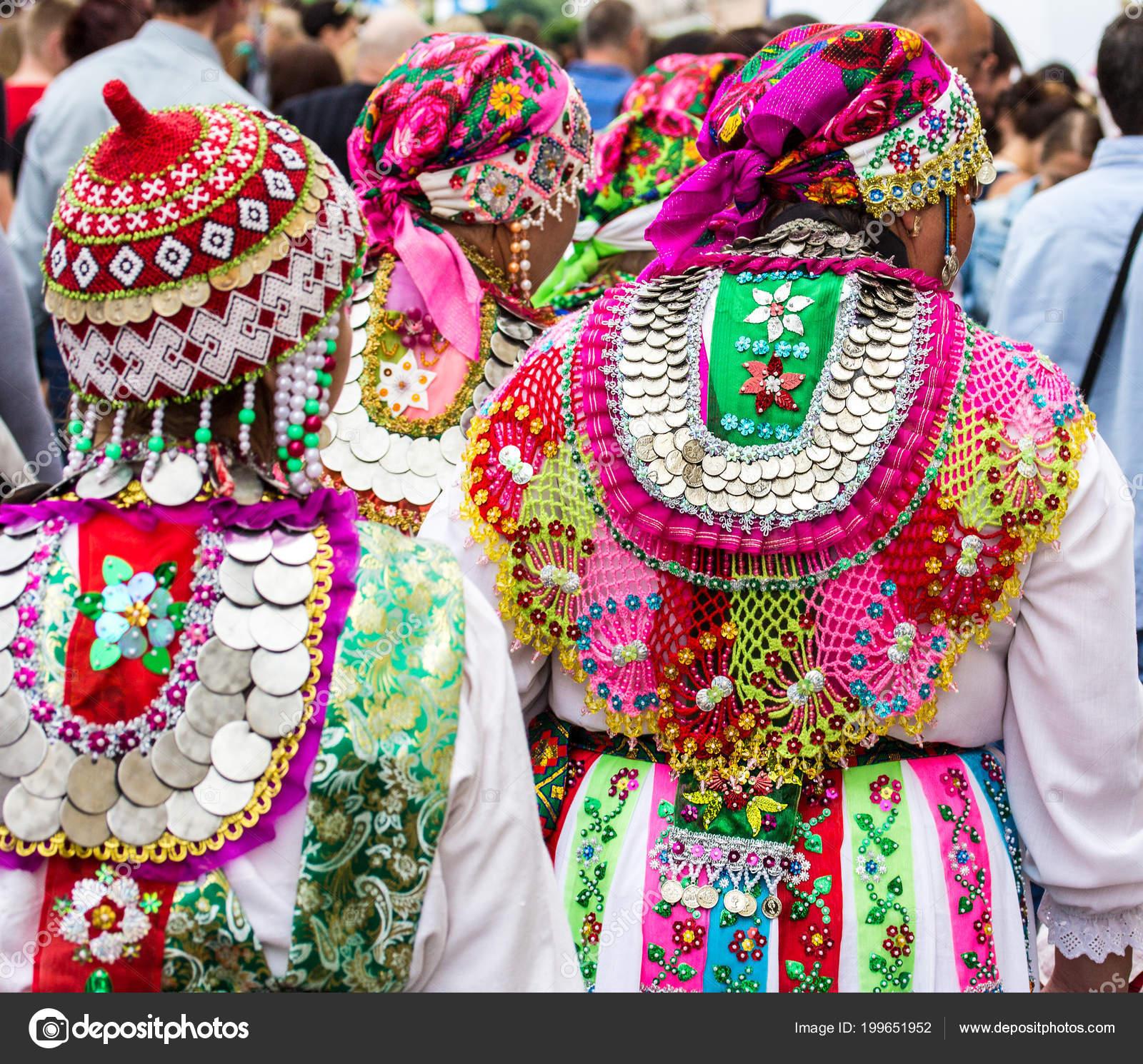 Національні Костюми Народів Росії — Стокове фото — Грін © RuslanKn ... 1e3cae0cb7d87