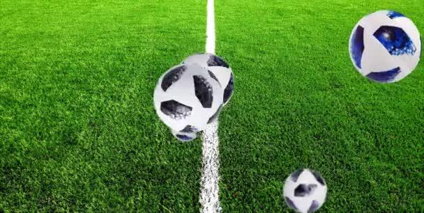 Hat foci labdák Telstar Ugrás a zöld fű háttér. Világ kupa Oroszországban. Motion Design 4k
