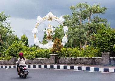 Bali, Indonesia, 01/11/2018, large sculpture at the crossroads in Ubud. Along the roads in Bali, you can often find statues dedicated to the Indonesian epic.