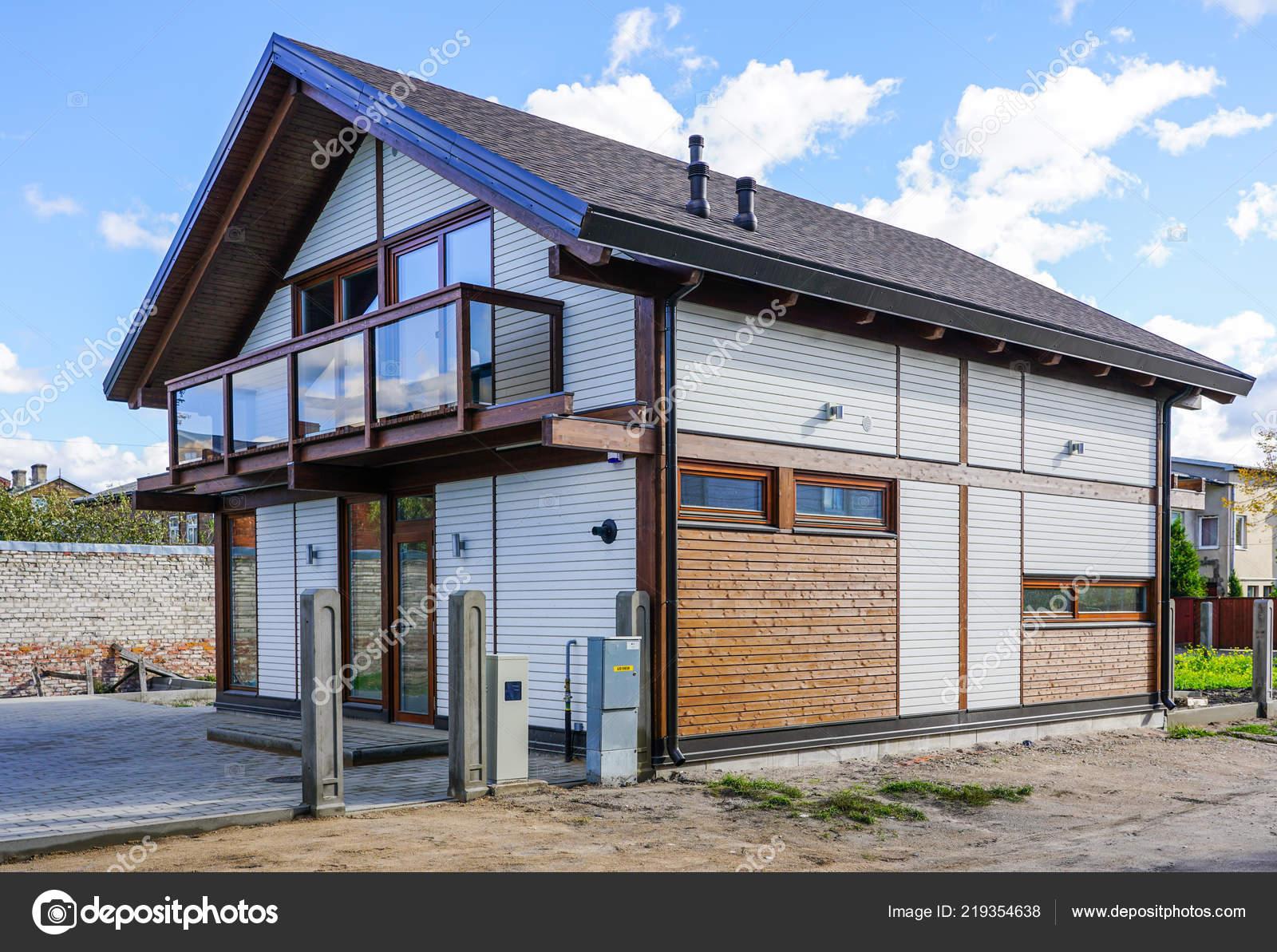 Vue Extérieure Nouvelle Maison Moderne Construction — Photographie ...
