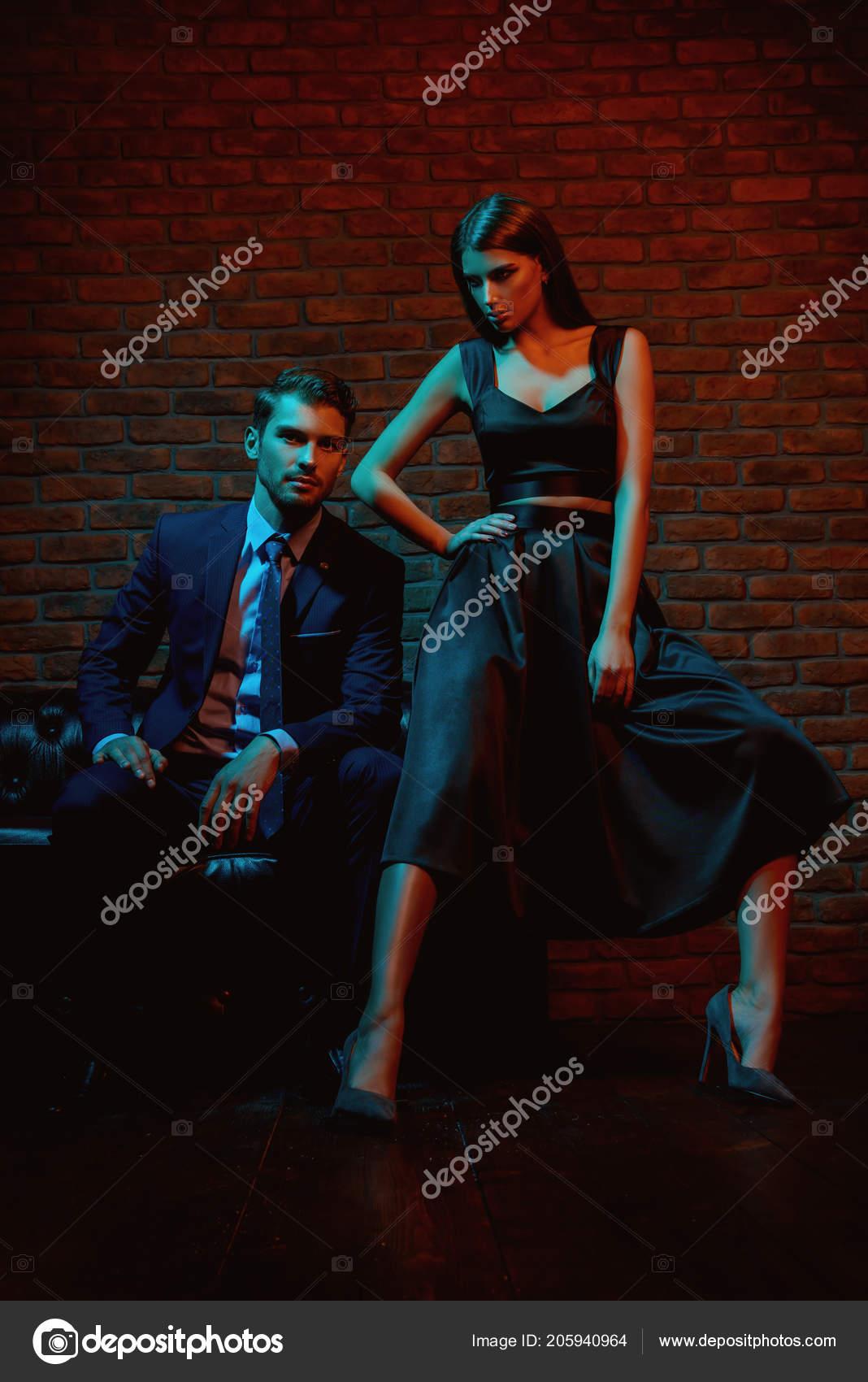 Mode Avondjurken.Seksuele Gepassioneerd Paar Elegante Avondjurken Luxe Interieur Mode