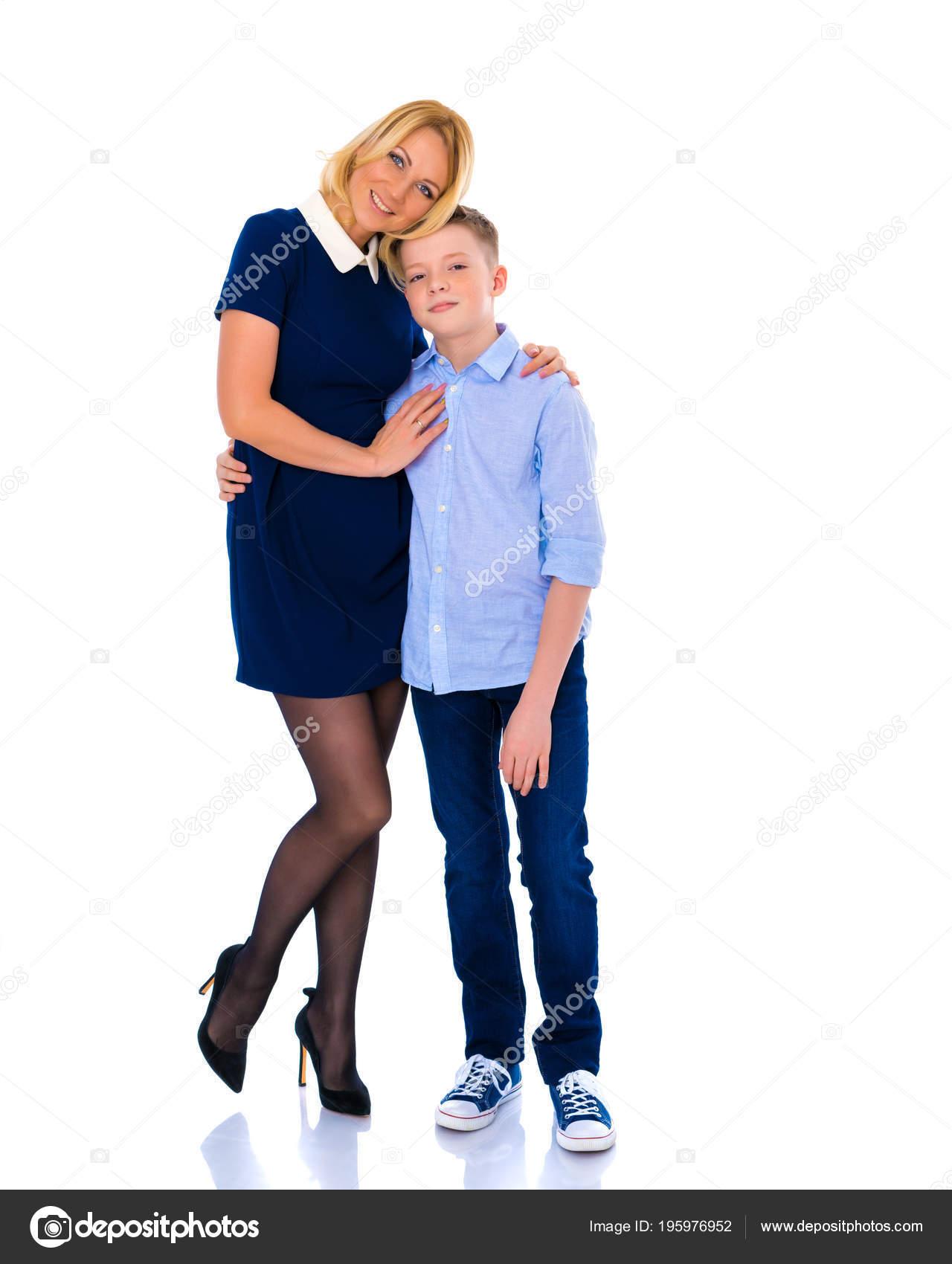 Mutter Mit Großen Möpsen Und Sohn