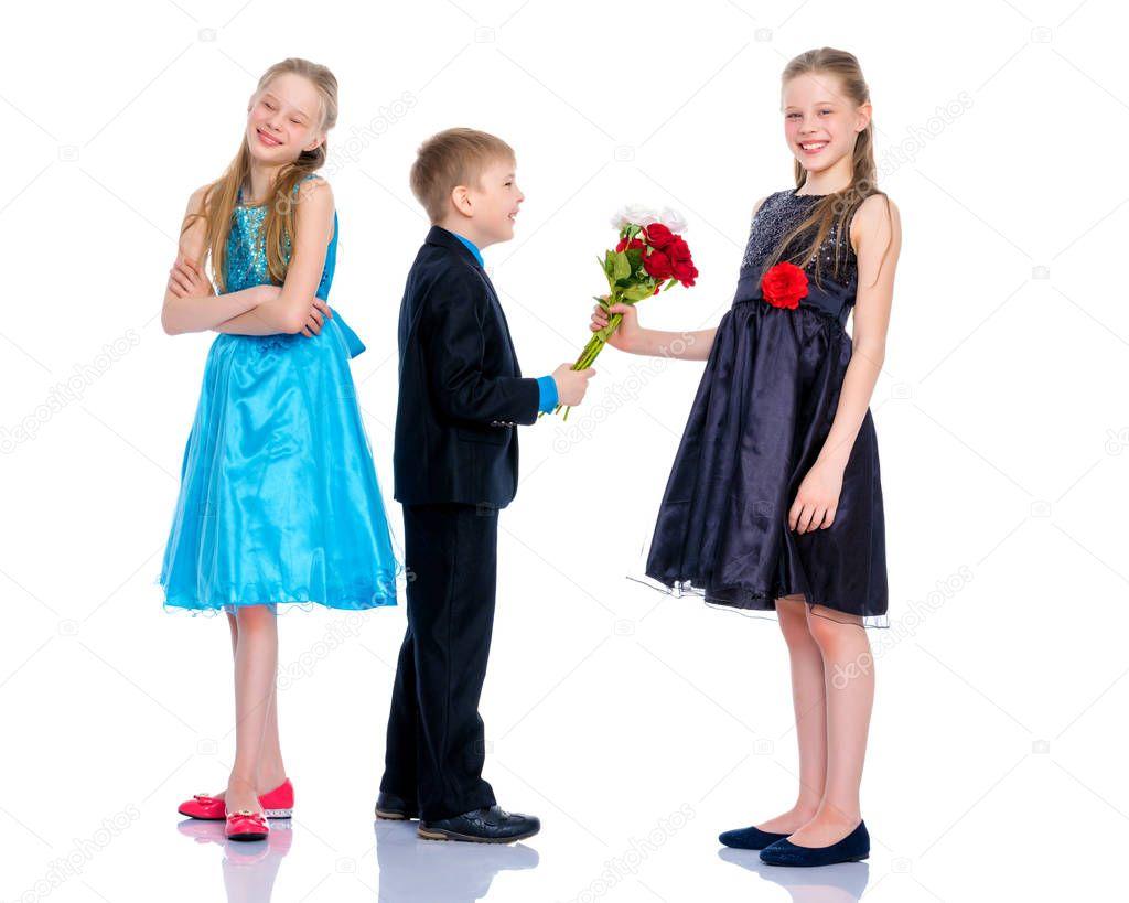 Картинки мальчик дарит цветы а девочка держит биту, день города белгорода