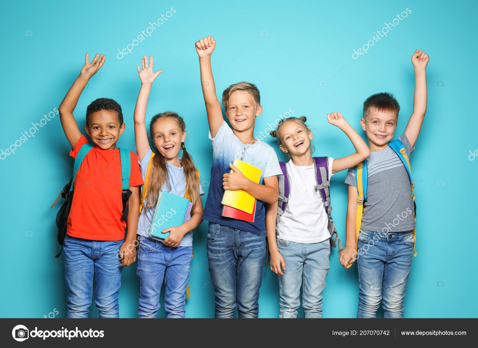 a4c1e00447 Group Little Children Backpacks School Supplies Color Background — Stock  Photo