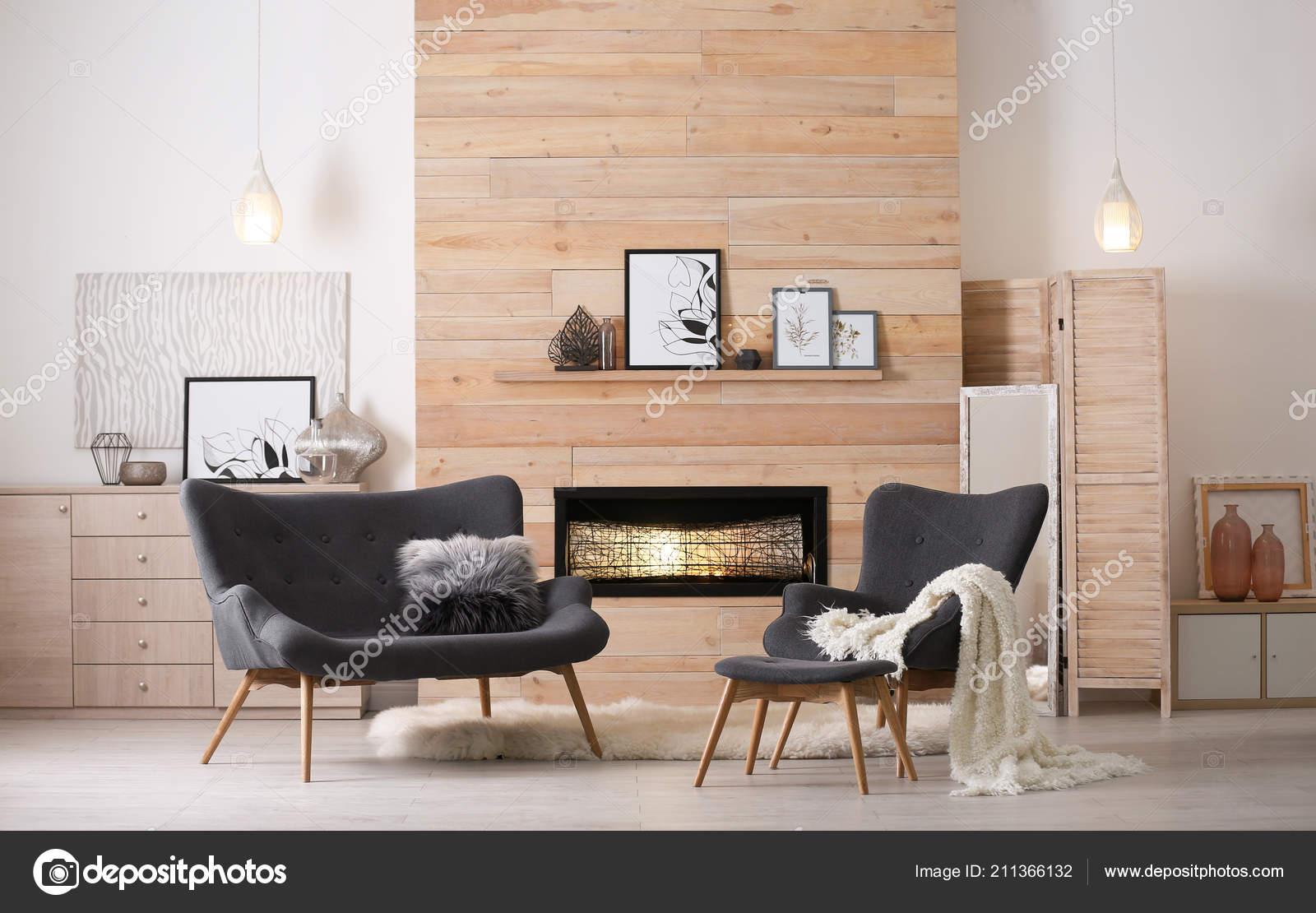 Gemütliches Wohnzimmer Interieur Mit Bequemen Möbeln Und ...