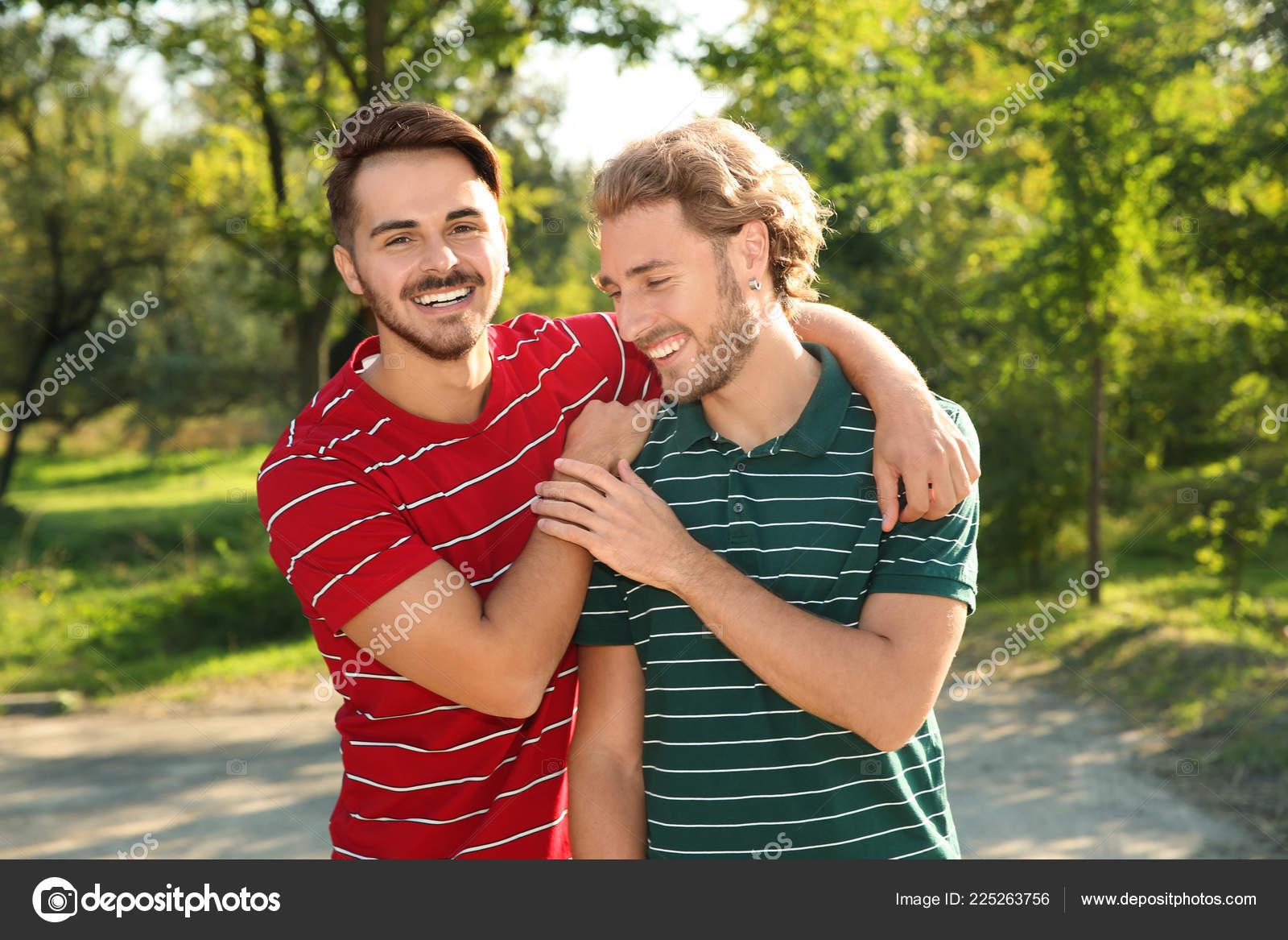 gay sex v parku