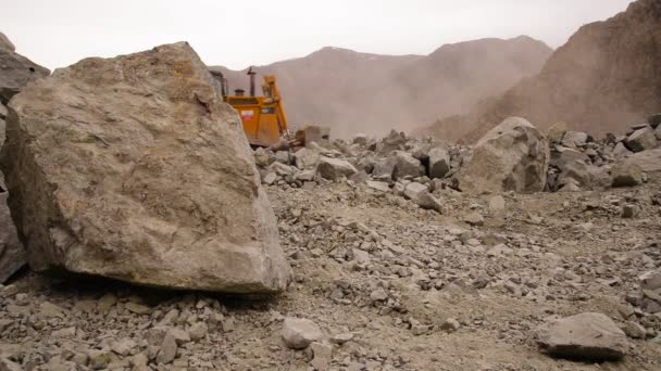 Industrial Truck Loader Excavator Moving Stone and Unloading Int