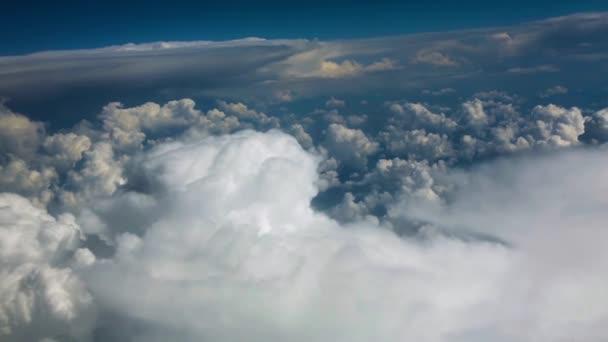 mraky nad horami