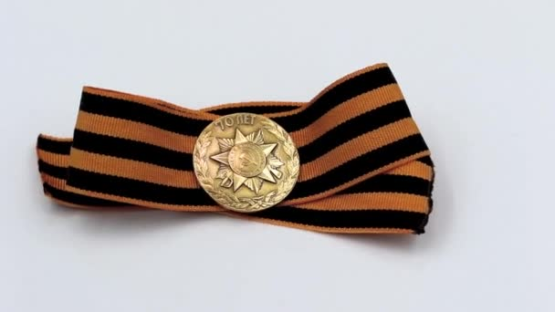 Commemorative copper badge released for the 70th anniversary of victory in the great Patriotic war with St. George ribbon revolve on a special stand