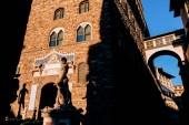 Slavná socha Davida v Piazza Della Signoria, Florencie, Itálie