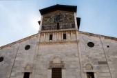Fotografie antikes Haus in der alten Stadt am Mittelmeer, Pisa, Italien