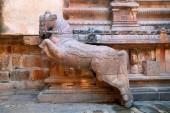 Cval poblíž lety kroků, Frenky svatyně, Brihadisvara chrámový komplex, Tanjore, Tamil Nadu, Indie