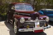Kharadi, Pune, Maharashtra, 1 dubna 2018, Ford Super Deluxe na Vccci ročník a Classic Car Rally 1941