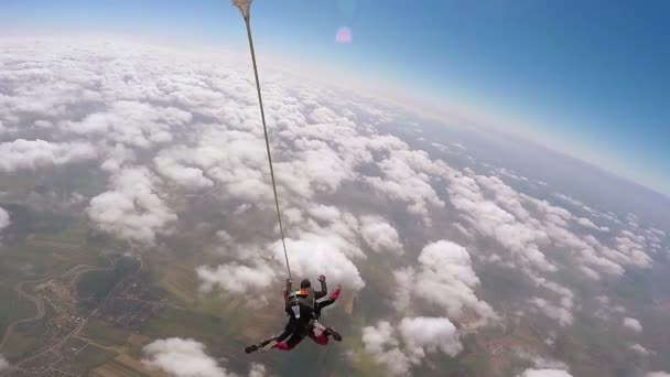 Tandem skydiving, enjoying the fall